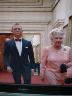 実写版(笑)「女王陛下の007」